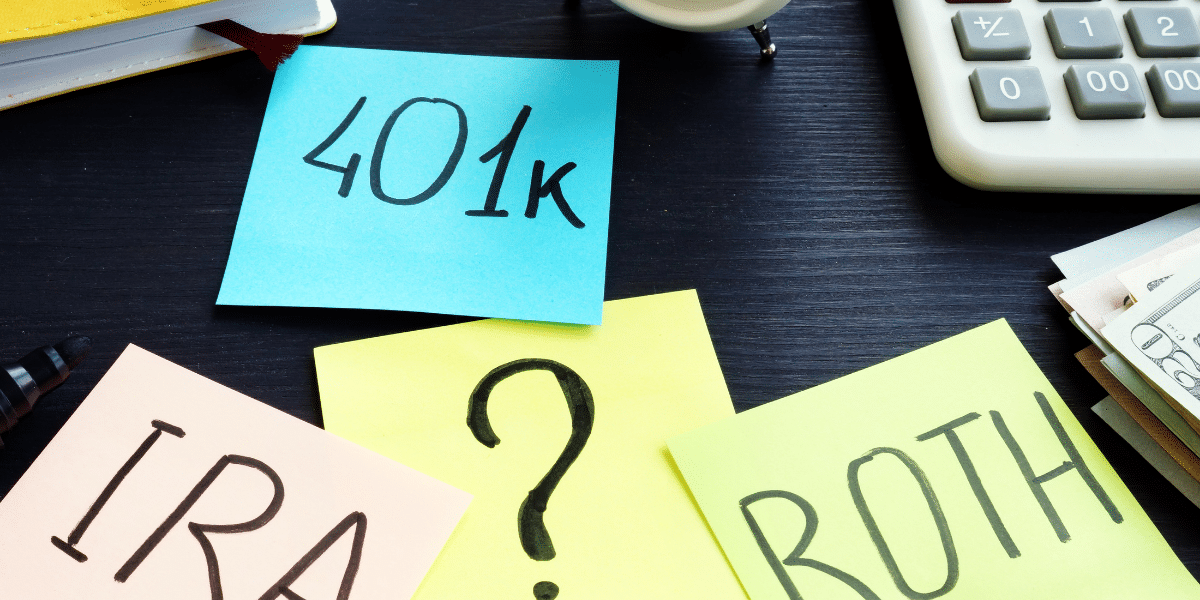Roth IRA vs. Traditional IRA on sticky notes